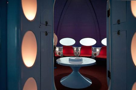8-futuro-house-inside