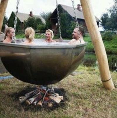 ski-chalet-hot-tub-10