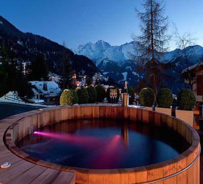 ski-chalet-hot-tub-3