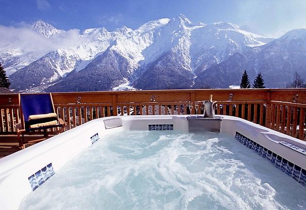Chalet Pied de Voute Hot Tub